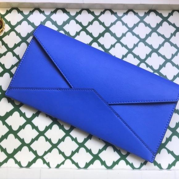 Banana Republic Handbags - Banana Republic Expandable Envelope Pouch